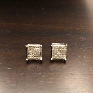 Jewelry - 💎 14kt white gold & diamond earrings 💎